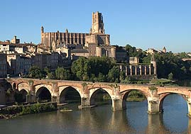 albi seen from other side of the river