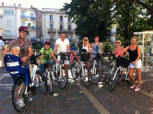 group of norwegians and their rental bikes in beziers
