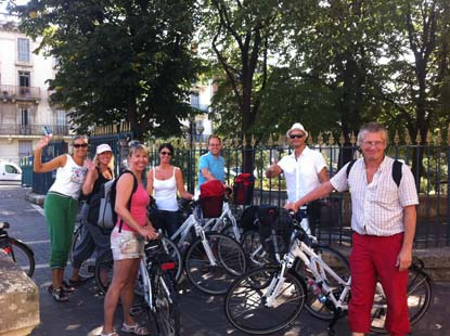 group of norwegians on rented bikes in beziers
